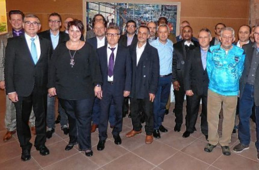 Mitarbeiter der Johns Manville Europe GmbH/Schuller wurden am Freitag im Wertheimer Arkardensaal ...