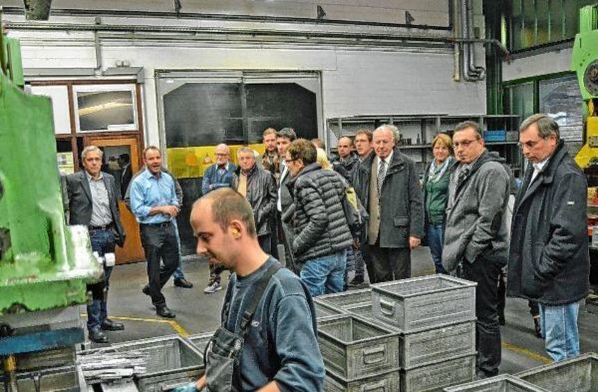 Die Teilnehmer des Kreuzwertheimer Wirtschaftsforums trafen sich zum Erfahrungsaustausch und sahen ...