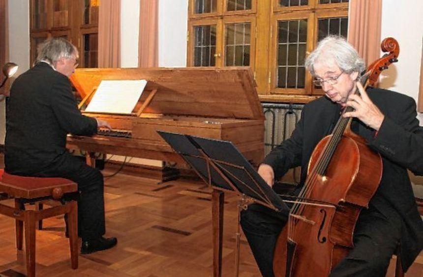 Michael Günther (Pantalon) und Gerhart Darmstadt (Violoncello) musizierten am Samstagabend im ...