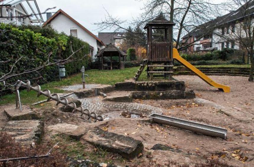 Der Spielplatz in der Herbert-Kunkel-Straße in Leutershausen soll nächstes Jahr auf Vordermann ...