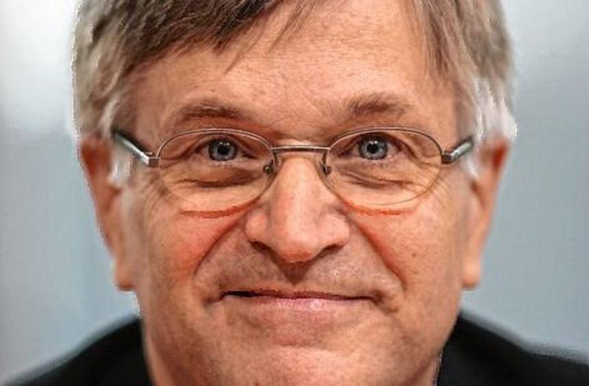 Der CDU-Politiker Peter Hintze starb im Alter von 66 Jahren in Köln.