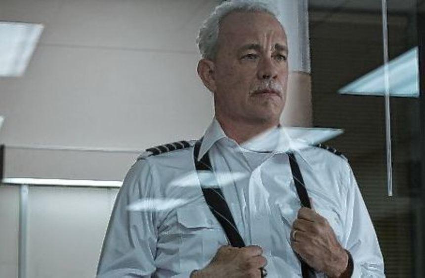 Die Uhr für heroische, coole Einzelgänger ist auch 2016 noch nicht abgelaufen: Tom Hanks als ...