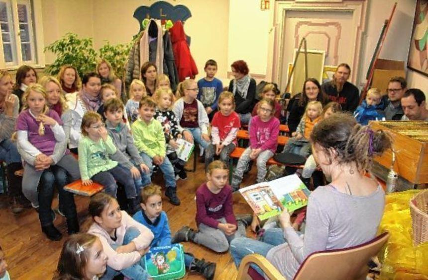 Das Staunen stand den Kindern ins Gesicht geschrieben: Beim Vorlesetag in der Stadtbücherei ...