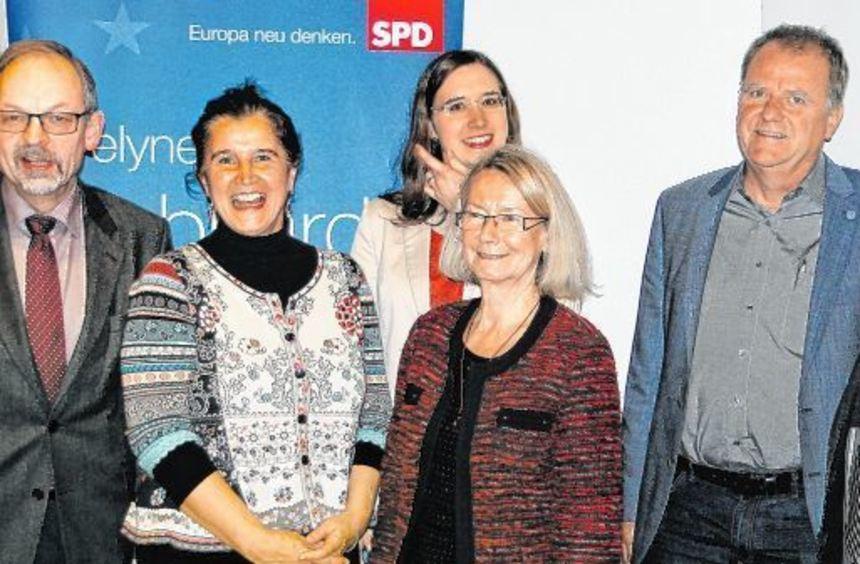 Sie diskutierten über Landwirtschaftsthemen (von links): Klaus Mugele (Bauernverband), Maria Noichl ...