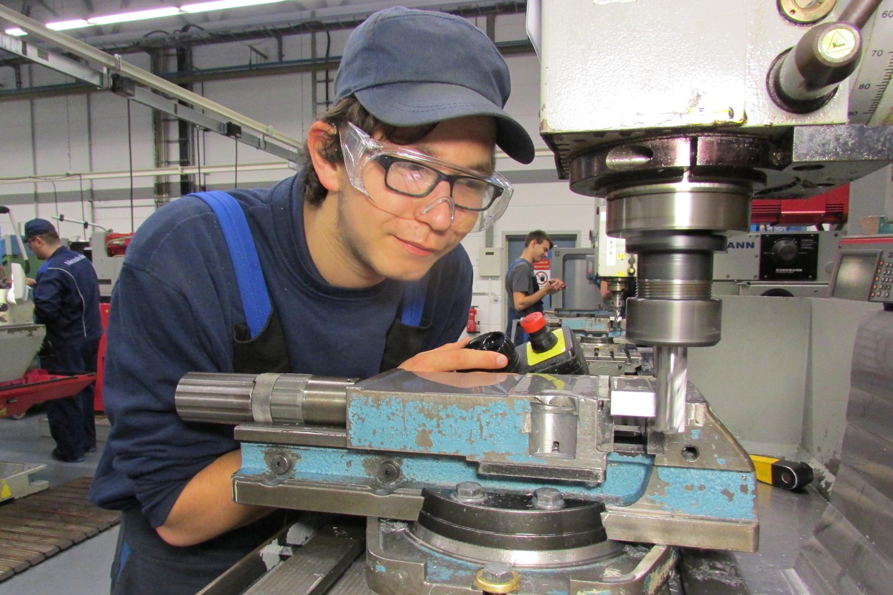 mid Groß-Gerau - Vielfalt ist mehr als ein Modewort: Bei Daimler arbeiten in Deutschland mehr als 8.800 Mitarbeiter mit Behinderung. Das sind rund sechs Prozent der Beschäftigten.