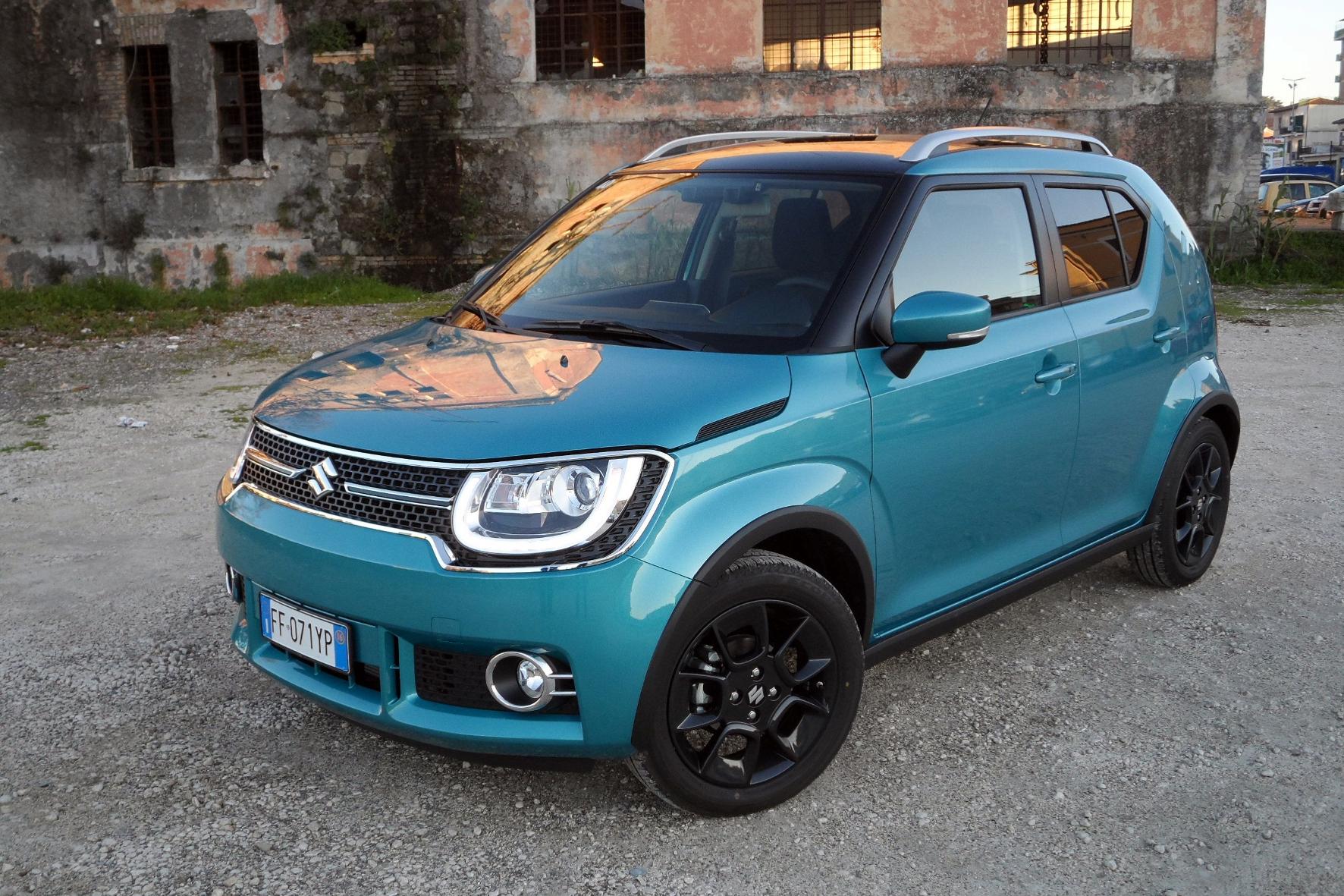 mid Rom - Der Suzuki Ignis eröffnet die neue Nische der Mikro-SUV, auf Wunsch ist er auch mit Allradantrieb zu haben.