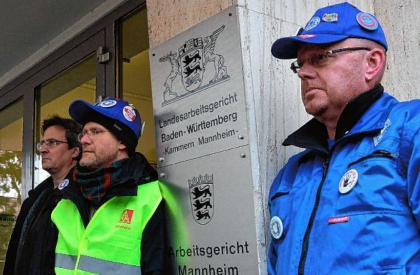 Rund 100 GE-Mitarbeiter und Sympathisanten verfolgten gestern die Verhandlung vor dem Mannheimer ...