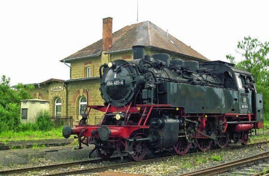 Der Verein DBK Historische Bahn aus Crailsheim veranstaltet am kommenden Freitag Dampfzugfahrten ...
