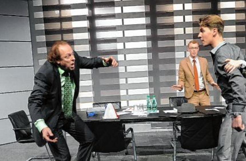 """Die Badische Landesbühne gastiert am 25. Januar mit dem Stück """"Die Grönholm-Methode"""" im Haus der ..."""