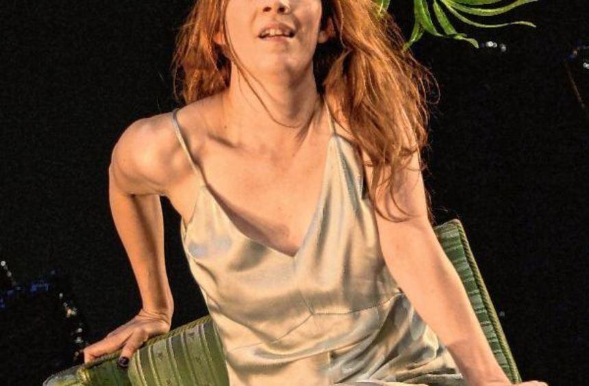 Mädchenhafte Leichtigkeit: Katharina Hauter als Minna.
