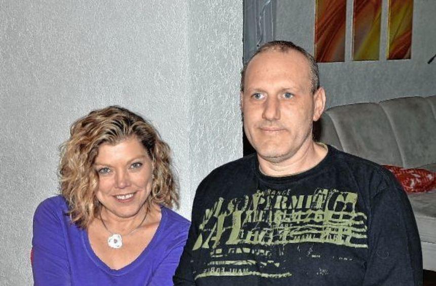 Uli Seyboth aus Adelsheim hat nach einer Pneumokokken-Infektion beide Unterschenkel und vier Finger ...