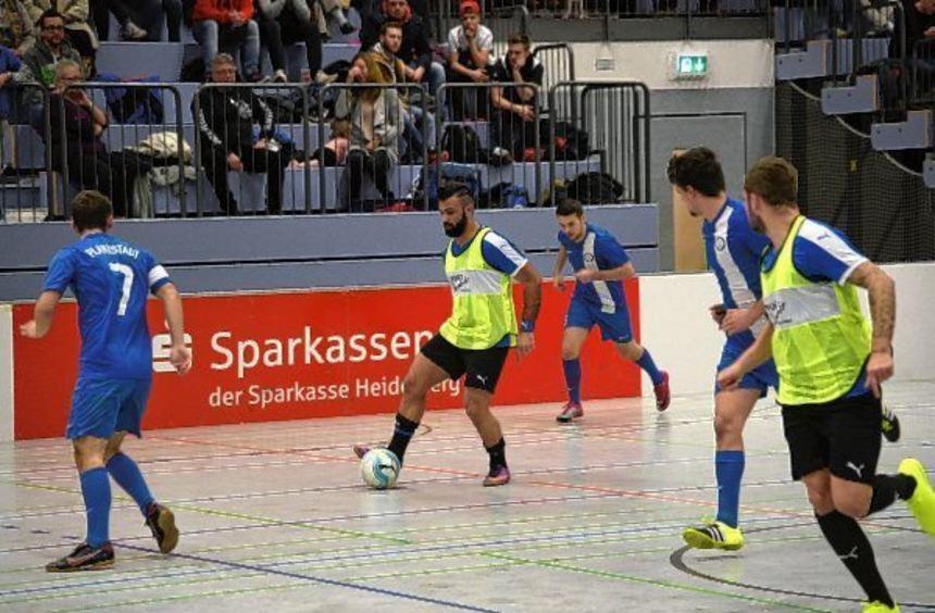 Ümit Ünlü (am Ball) und seine Eppelheimer Mannschaftskollegen triumphierten im Derby gegen die TSG ...