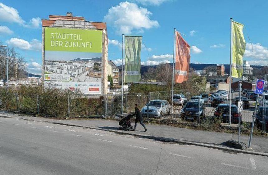 Hier soll das neue Konferenzzentrum entstehen: Am Eingang zur Bahnstadt, an jener Stelle, an der ...