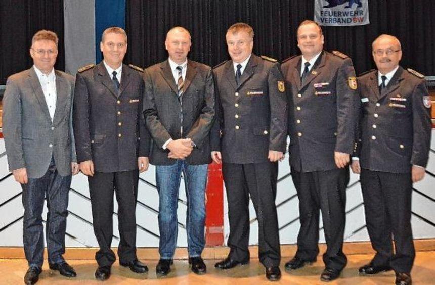 Hochrangige Referenten und begeisterte Teilnehmer: Das Bild zeigt (von links) Landrat Dr. Achim ...