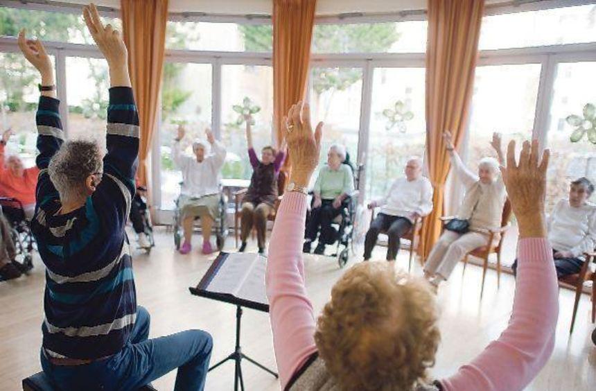 Der Bedarf an Pflegeheim-Plätzen steigt. Immer beliebter werden Einrichtungen, die sowohl ...