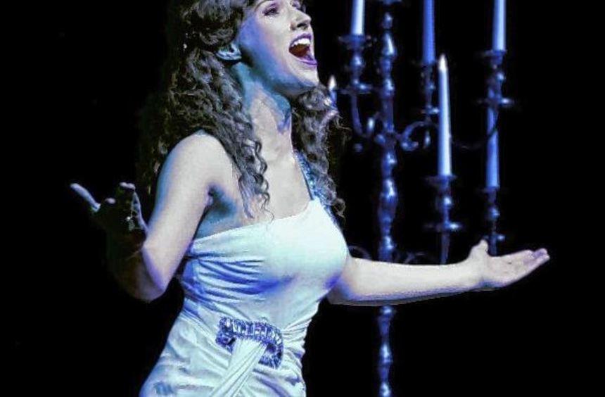 Das Chormädchen Christine wird erst Muse, dann Star.