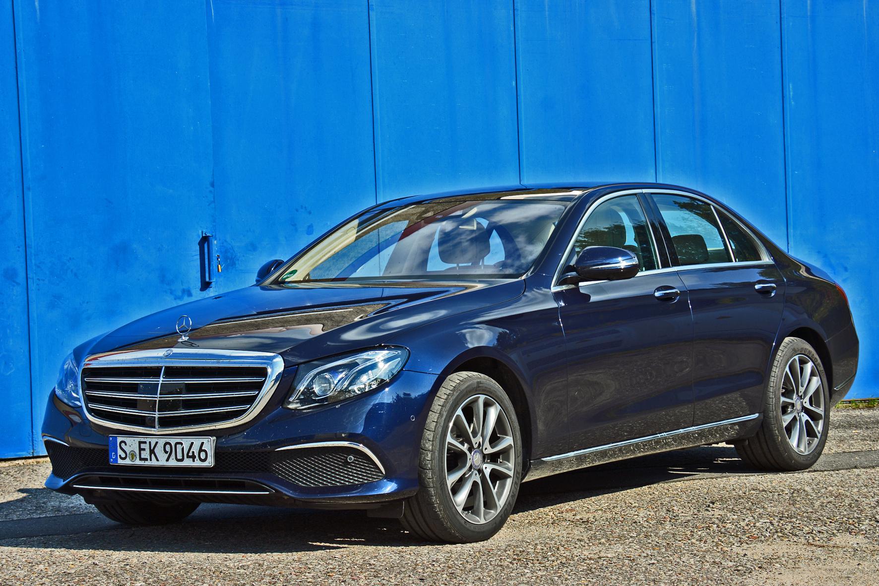 mid Groß-Gerau - Die neue E-Klasse von Mercedes-Benz bietet eine Vielzahl an Neuheiten - vom neuen Diesel-Vierzylinder bis zu modernsten Assistenzsystemen.