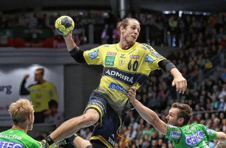 Kim Ekdahl du Rietz (Mitte) spielt eine überragende Saison bei den Löwen.