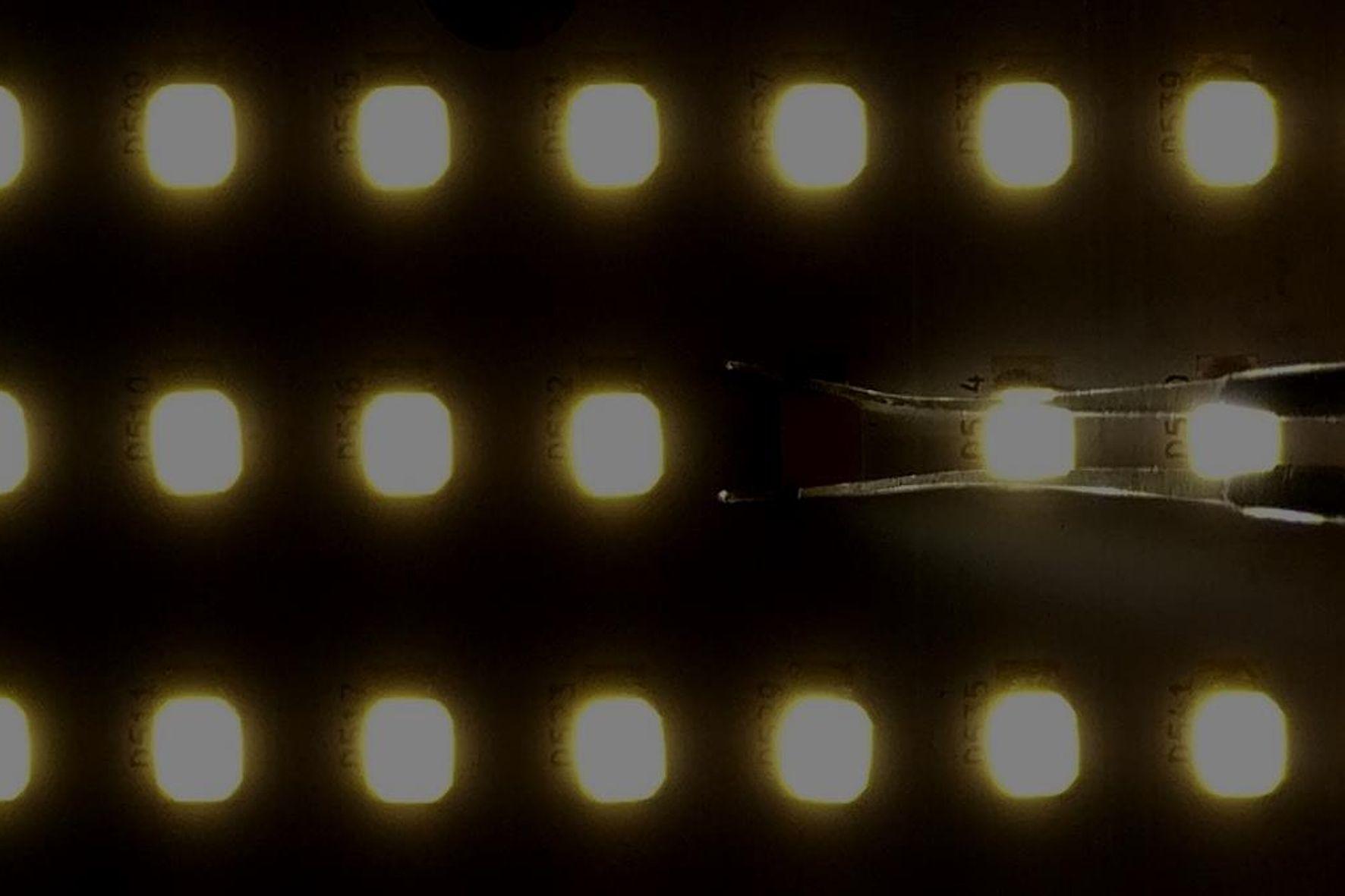 mid Groß-Gerau - Durch eine neuartige Schaltung können bis zu 144 LEDs auf einer einzigen Platine montiert werden, das sorgt für angenehmeres Licht bei niedrigerem Stromverbrauch.