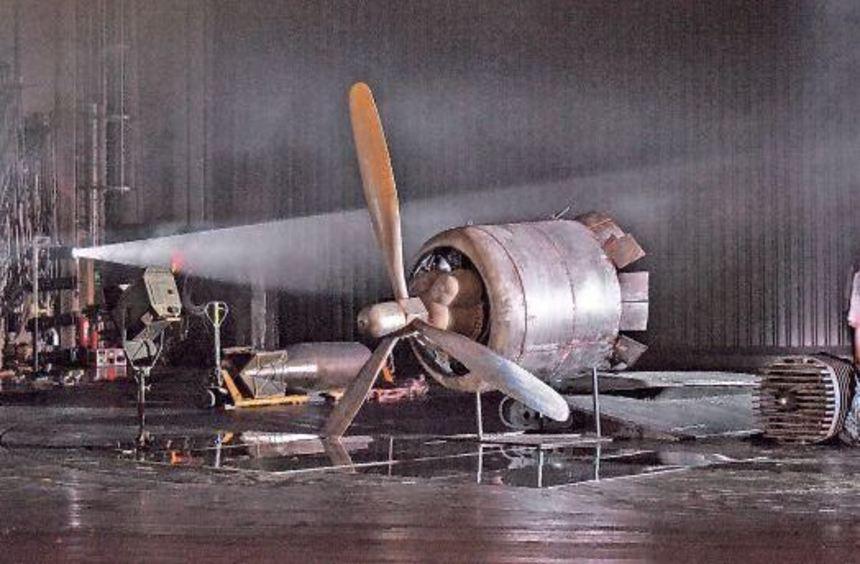 """""""La Reine/ Die Königin"""": eine Szene aus der Mannheimer Produktion mit der Sängerin Angela Denoke."""