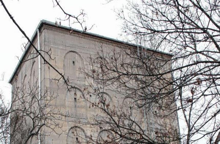 Der Luftschutzbunker an der Kreuzung Valentin-Bauer-/Frankenthaler Straße wurde 1941 gebaut. Jetzt ...