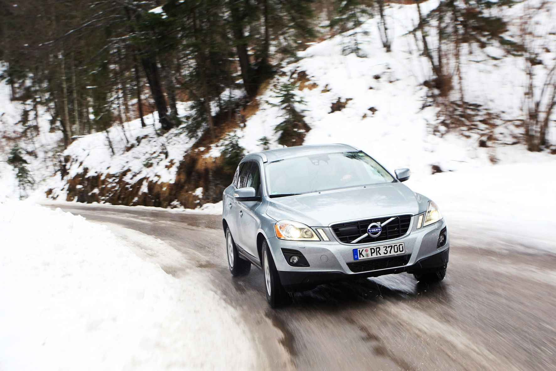 mid Groß-Gerau - Ein neues System kann Fahrer vor Glätte warnen - das schwedische Unternehmen NIRA Dynamics hat es entwickelt.