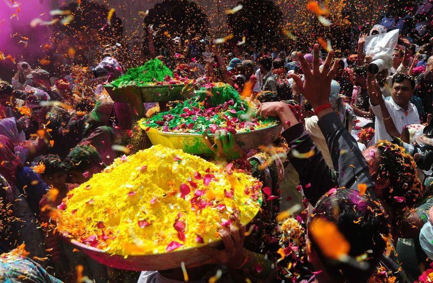 holi festival indien zelebriert fest der farben mannheimer morgen mannheimer morgen. Black Bedroom Furniture Sets. Home Design Ideas