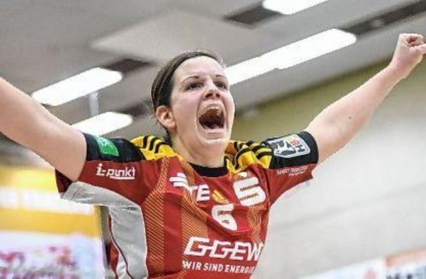 In der Jubel-Pose kennen die Flames-Fans Lisa Mößinger; zukünftig leitet sie die Geschicke auf der ...