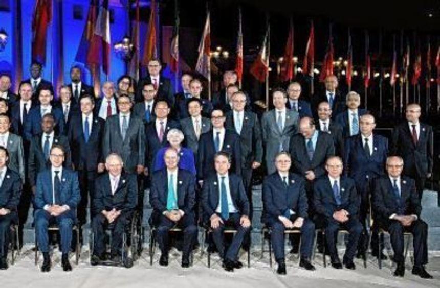 """Das gehört zum Ritual: das sogenannte """"Familienfoto"""" aller Finanzminister und Notenbankchefs, hier ..."""