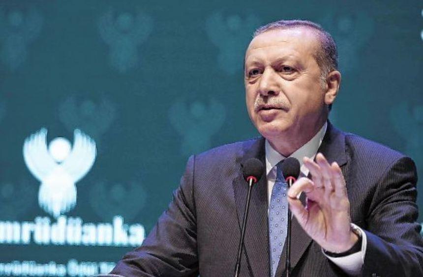 Nicht nur deutsche Politiker sind von den Nazi-Vergleichen des türkischen Staatspräsidenten Recep ...