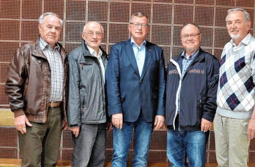 Der Vorstand der Heddesheimer Sängervereinigung (v.l.): Dieter Menz, Oskar Schmitt, Uwe Jurgsties, ...