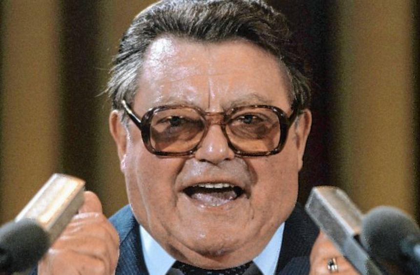 """Sprach schon 1983 von """"alten Gaunern"""" und """"kalten Kriegern"""": der CSU-Politiker Franz Josef Strauß ..."""