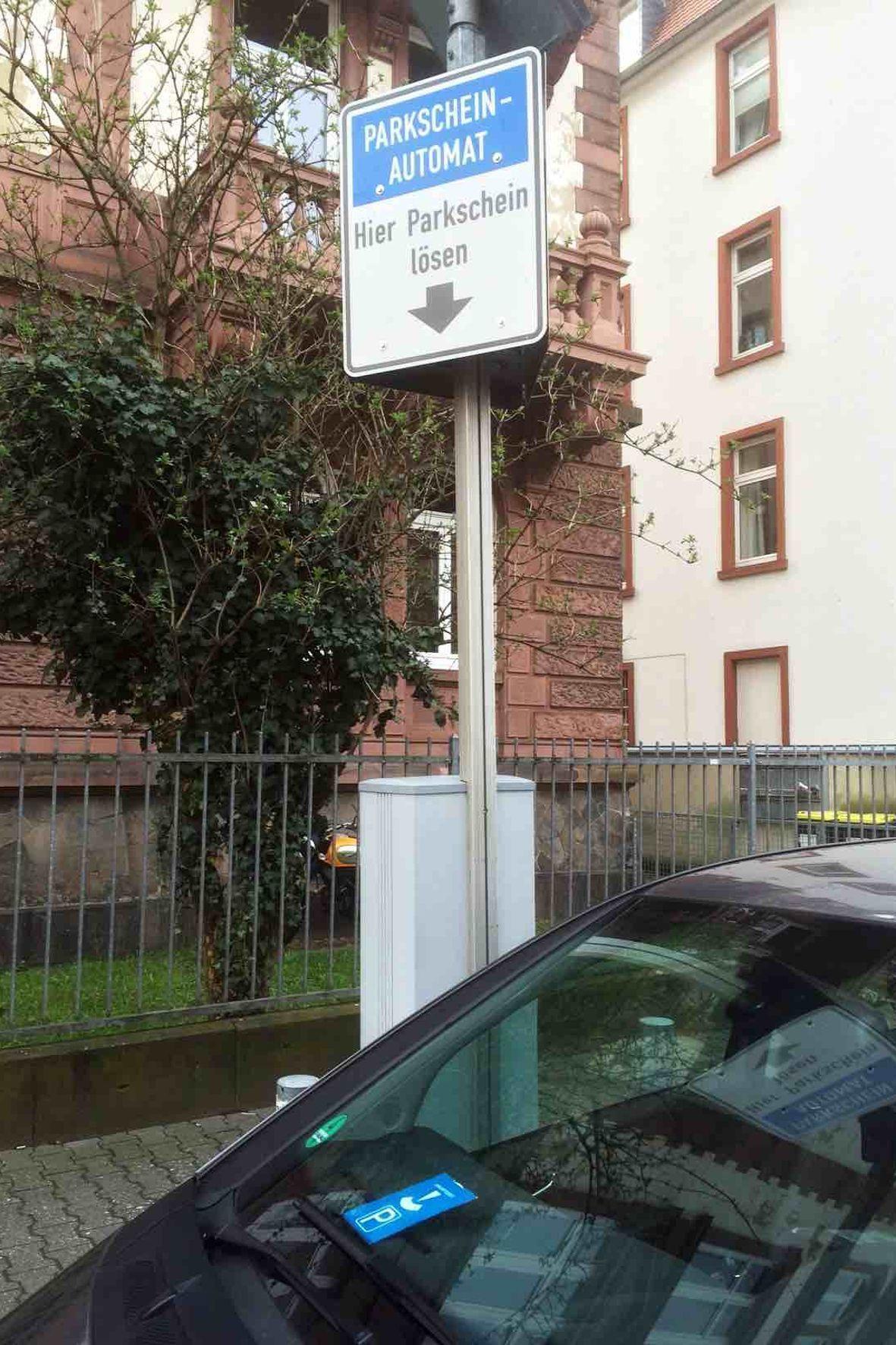 mid Groß-Gerau - Ein defekter Parkautomat berechtigt nicht automatisch zum frei Parken.