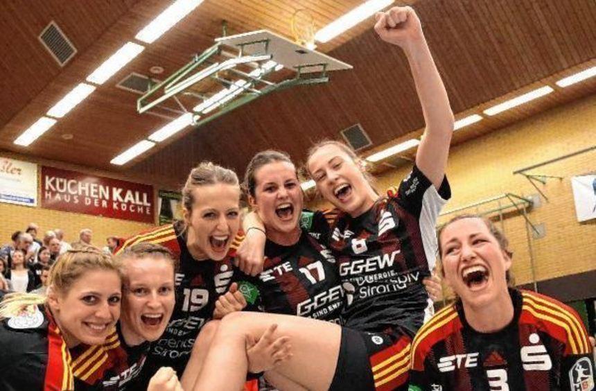 """Am Samstag bejubelten die Flames """"nur"""" den Derbysieg in Ketsch, seit gestern Abend ist der ..."""