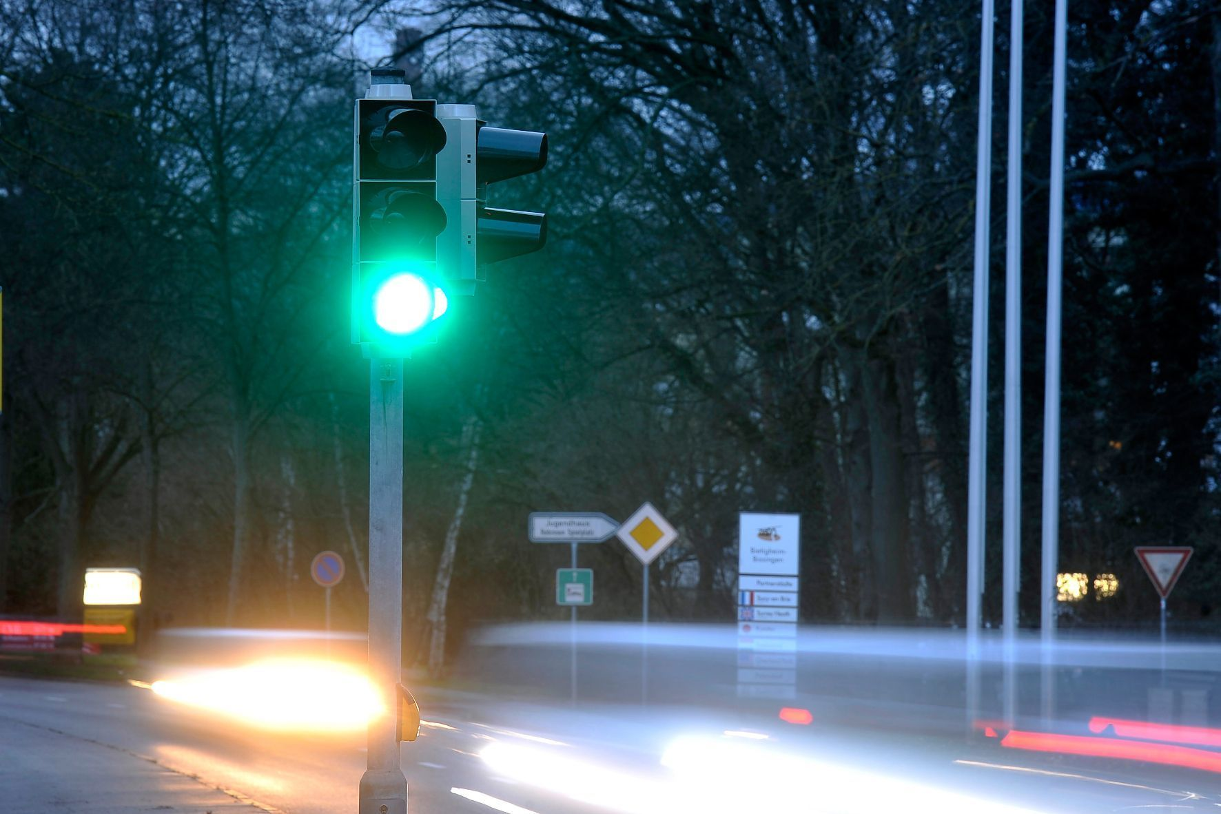 mid Groß-Gerau - Grüne Welle: Siemens hat jetzt Verkehrsleuchten entwickelt, die deutlich weniger Energie verbrauchen sollen als herkömmliche Anlagen.