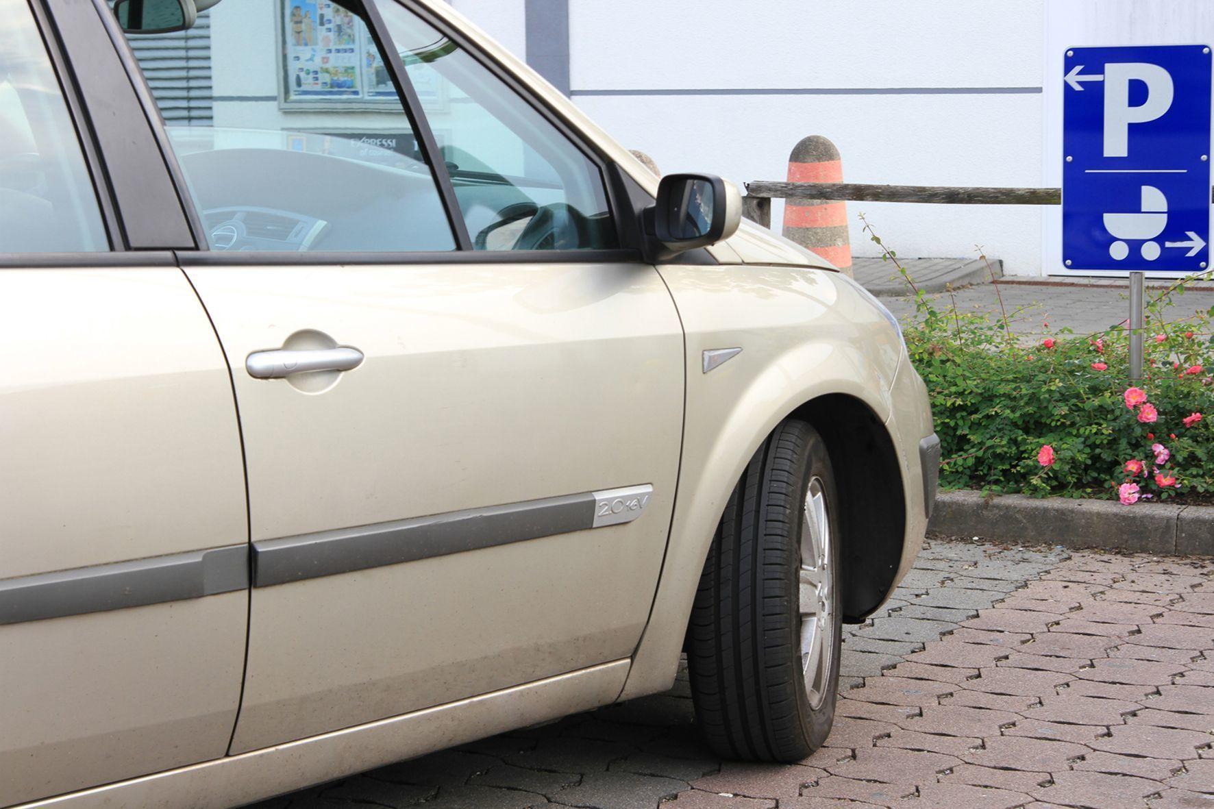 mid Groß-Gerau - Mutter-Kind-Parkplätze dürfen auch Väter und Tanten benutzen, die mit kleinen Kindern unterwegs sind.