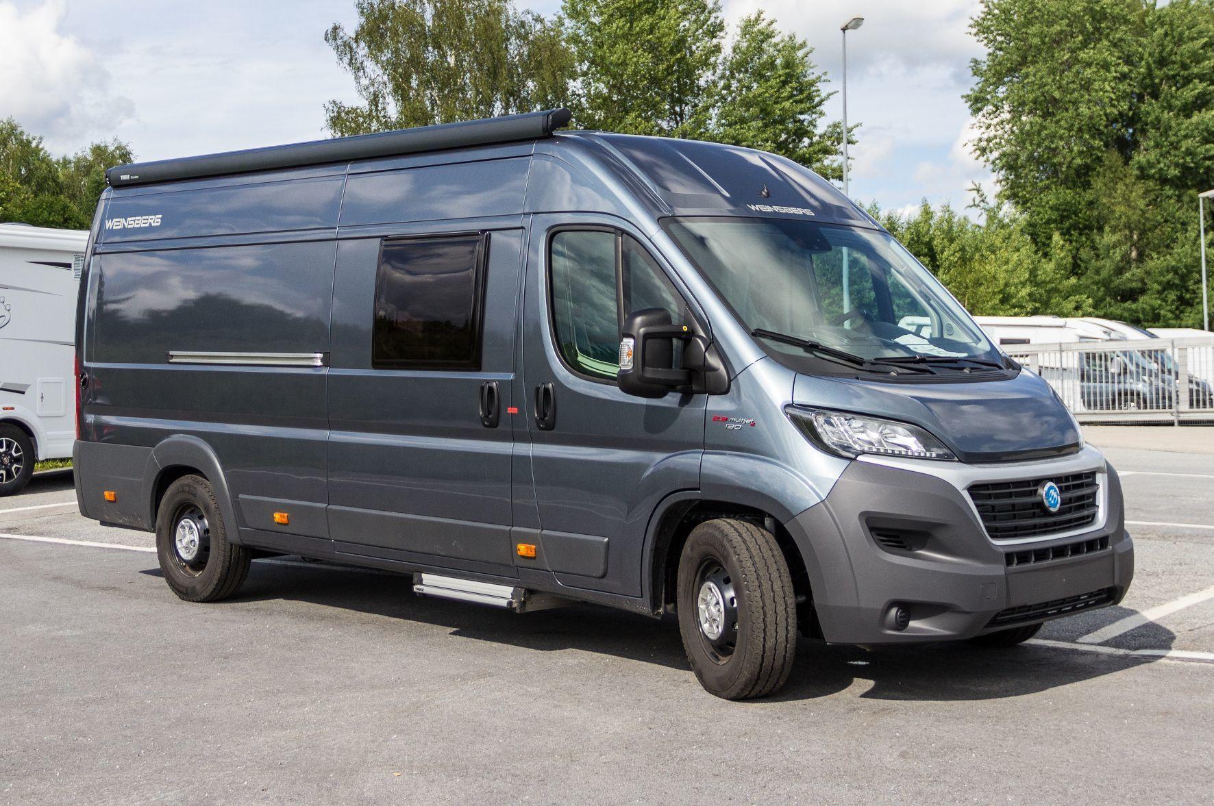 """mid Bad Griesbach - """"Caratour"""" heißt die neue Reisemobil-Baureihe von Weinsberg. Die zur Knaus-Tabbert-Group gehörende Marke bietet das Einstiegsmodell ab 33.990 Euro an."""