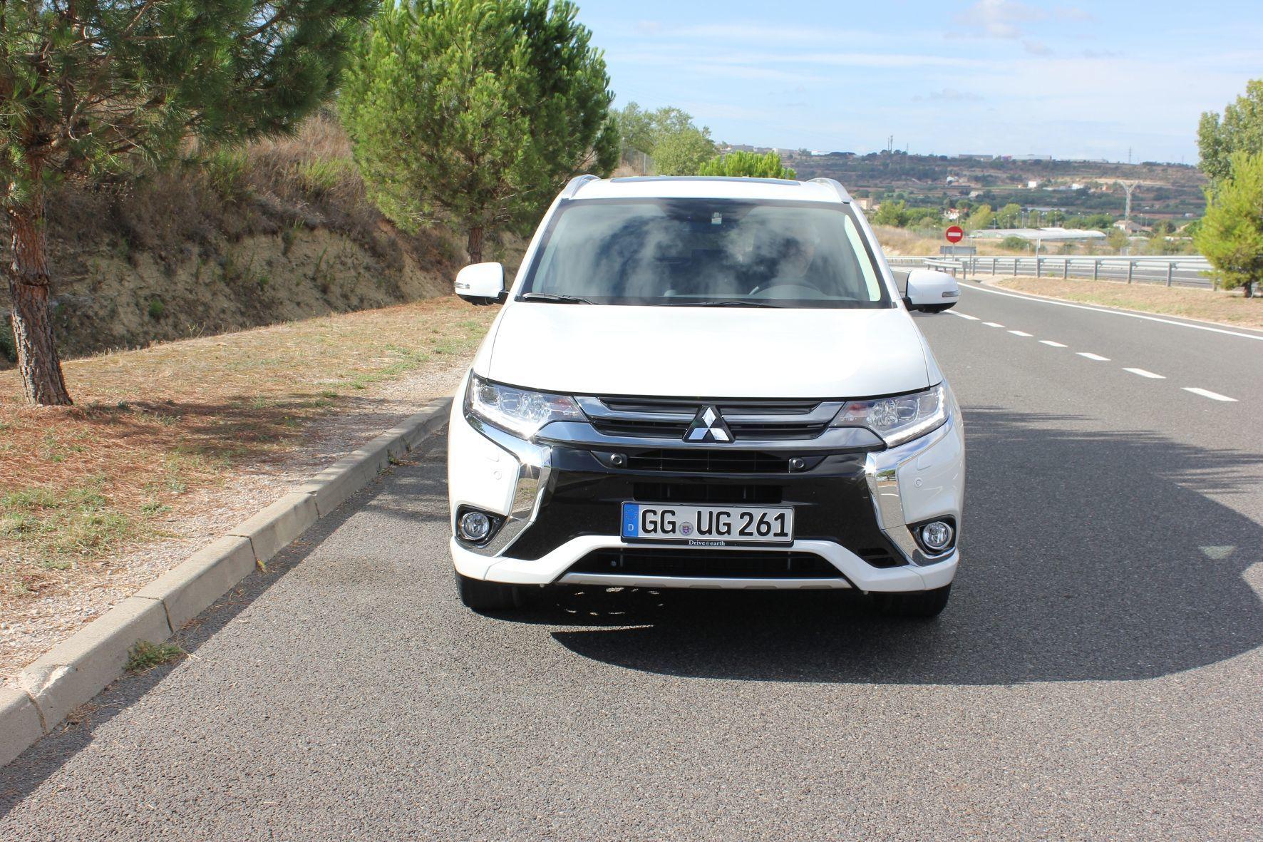 mid Groß-Gerau - Durch die Verwendung von Strom aus erneuerbaren Energien und Fahrzeugen mit Plug-in-Hybridantrieb spart Mitsubishi mehr als 180 Tonnen Kohlendioxid ein.