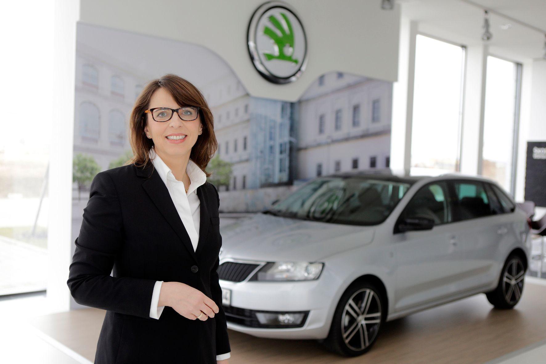 mid Groß-Gerau - Imelda Labbé, Sprecherin der Geschäftsführung von Skoda, verlässt den Autobauer mit Rekordzahlen. Sie werde Skoda vermissen, sagte sie in ihrer Abschiedrede. Ab sofort ist sie für das Aftersales-Geschäft bei Volkswagen verantwortlich.