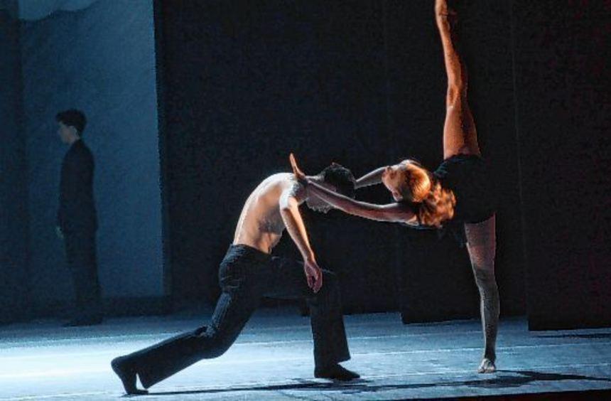 Szene aus der neuen Thoss-Choreographie mit Emma Kate Tilson und Joris Bergmans.