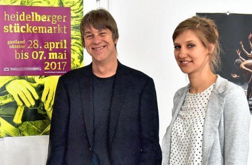 Im Vorbereitungsendspurt Richtung zeitgenössische Dramatik: Heidelbergs Theaterintendant Holger ...