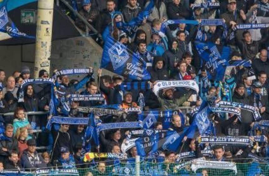 Die Waldhof-Fans sehnen den Drittliga-Aufstieg herbei.