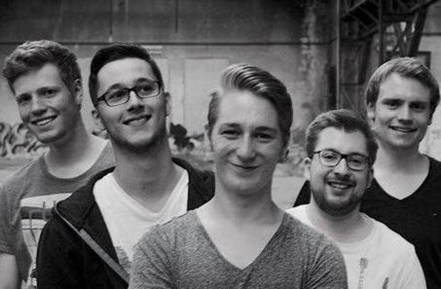 """Nur echt in dieser Besetzung - die Schwetzinger Band """"Beyond this Summer"""" mit Philipp Dahlinger, ..."""