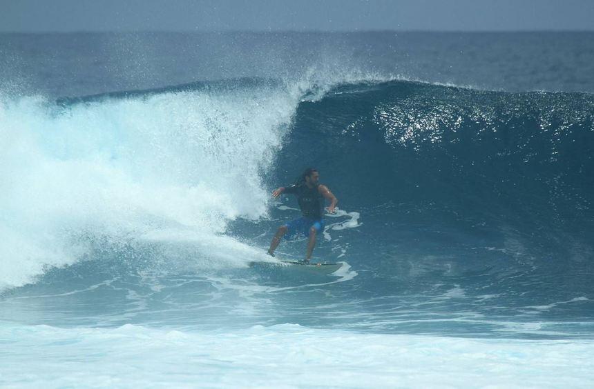 Afridun Amu trainiert bei Biarritz für die Surf-WM. Für sein Heimatland will er ordentlich Wellen ...