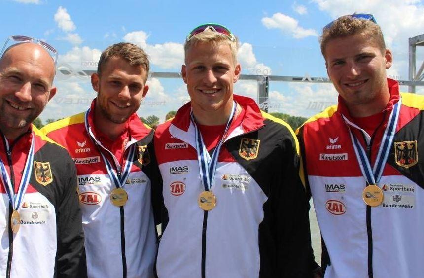 Gold in Weltrekordzeit (von links): Ronald Rauhe, Max Lemke, Max Rendschmidt und Tom Liebscher ...