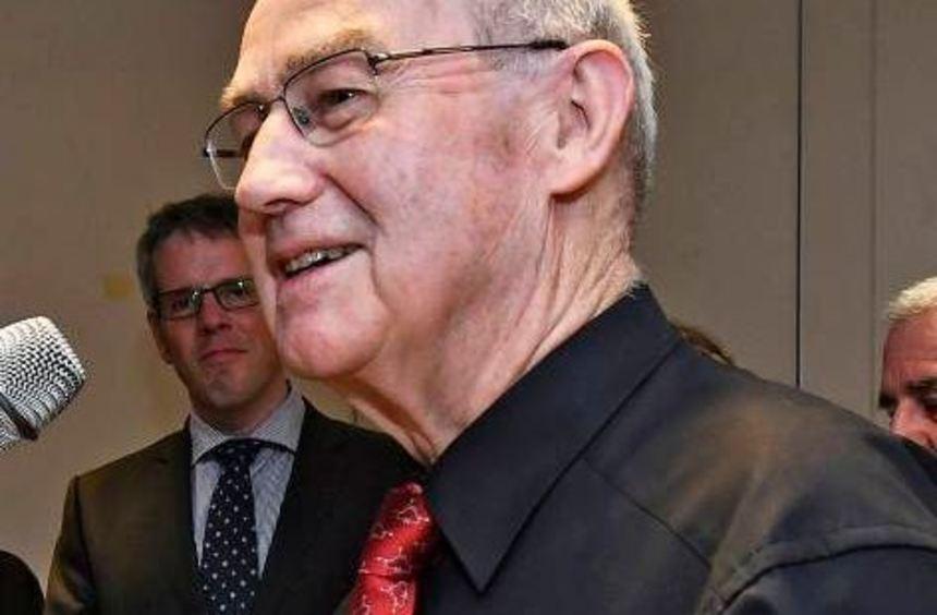 Reinhard Schmidtke erhielt den Ehrenbrief des Landes Hessen.