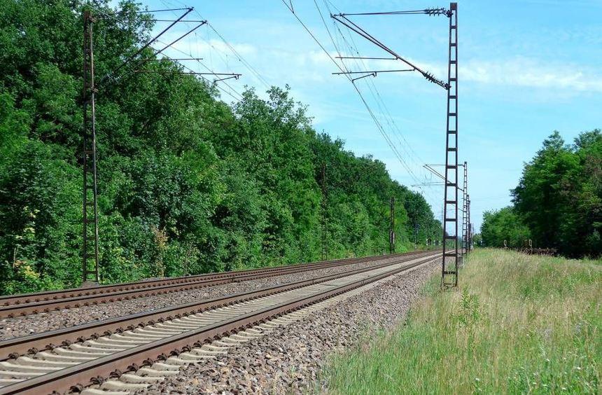 Der Neubau der S-Bahn-Station im Stadtteil Hirschacker - im Bild ist die Strecke etwa auf Höhe der ...