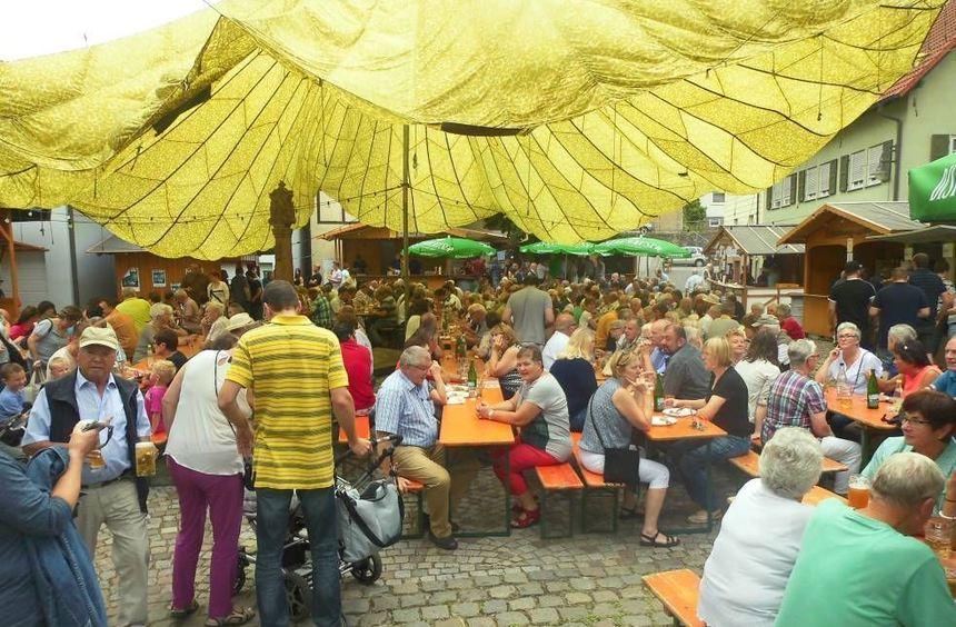 Die örtlichen Vereine stecken bereits mitten in den Vorbereitungen zum Dittwarer Dorffest, das am ...