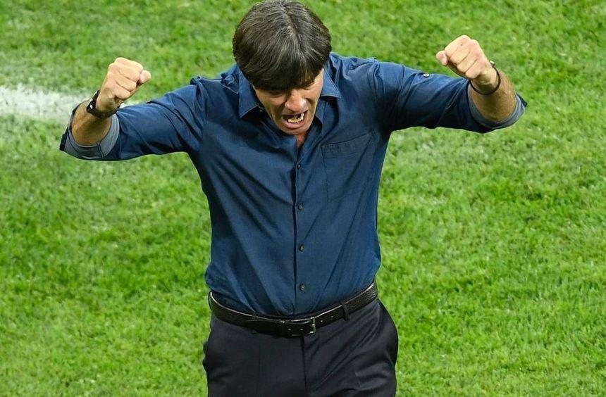 Joachim Löw freut sich über das 3:2, auf den Bundestrainer wartet noch viel Arbeit.
