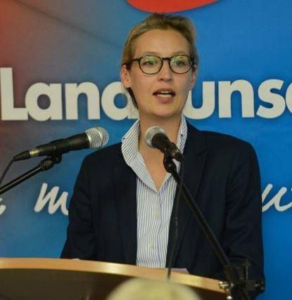 """Schimpft über die """"Altparteien"""": Alice Weidel am Sonntagabend."""
